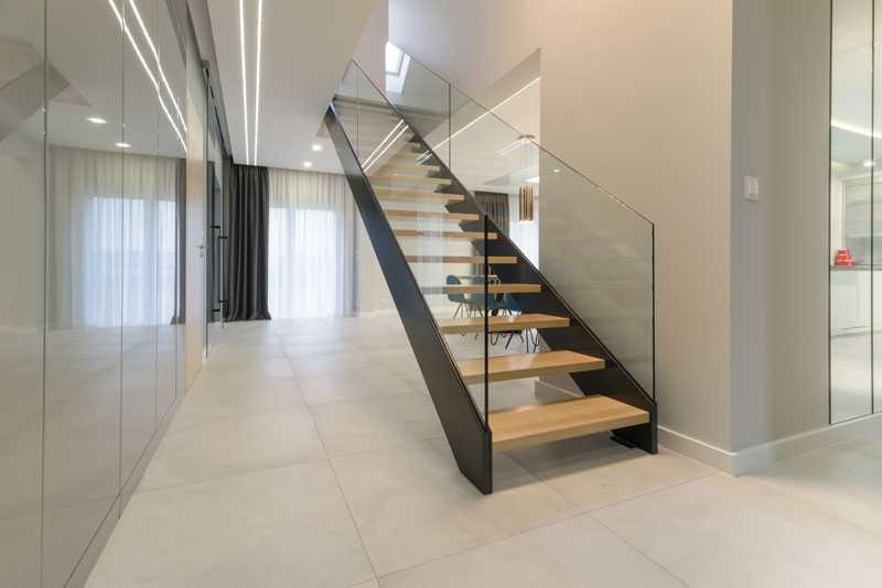 Gunstige Treppen Aus Polen Polnische Treppen Holztreppen